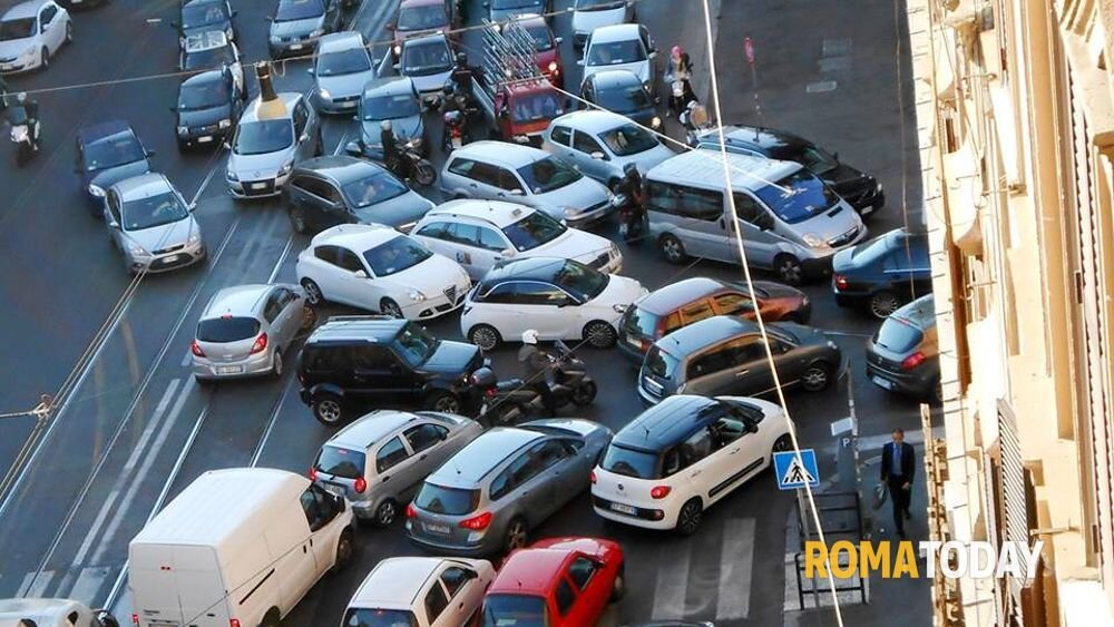 traffico_viabilita-roma-smog-trafficone-strade.jpg